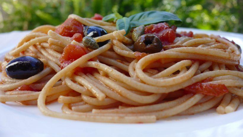 Healthy Dinner in 15 Minutes: Pasta Puttanesca